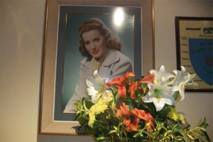 The famous image of Maureen O'Hara in the Glengarriff clubhouse.
